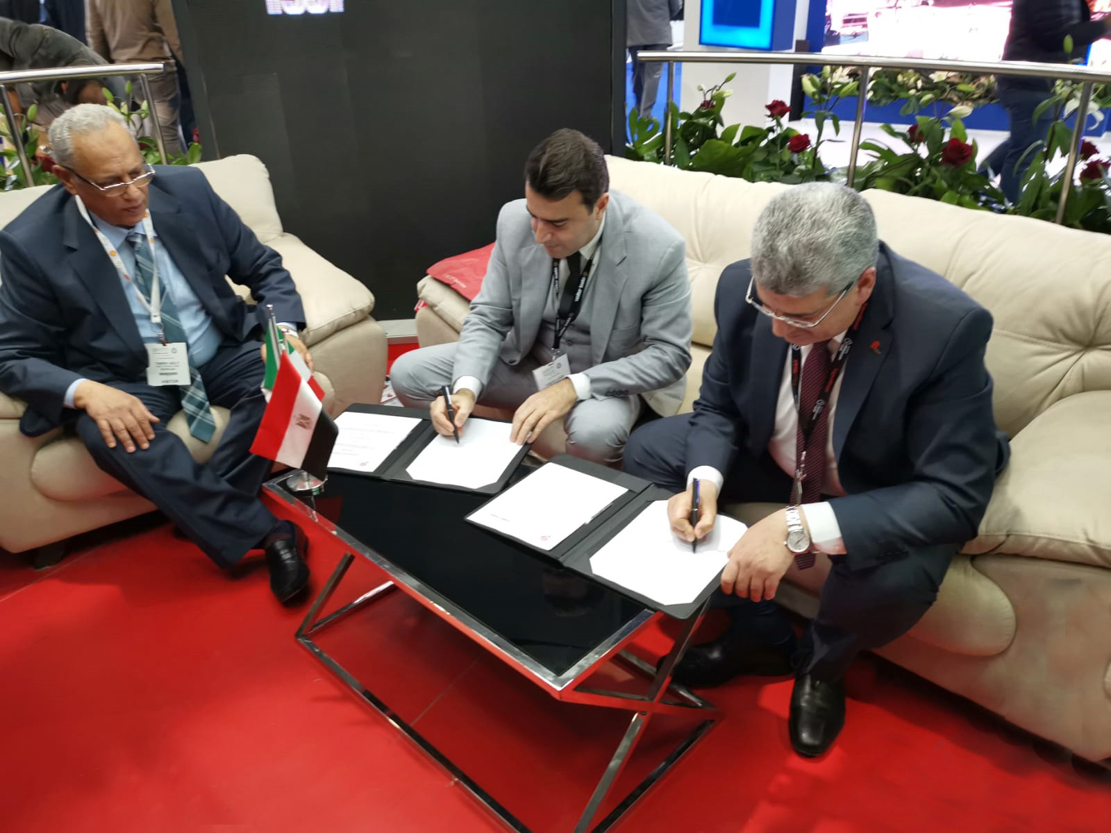 Expo Stand Egitto : Walter tosto and petrojet to sign an important agreement in egypt