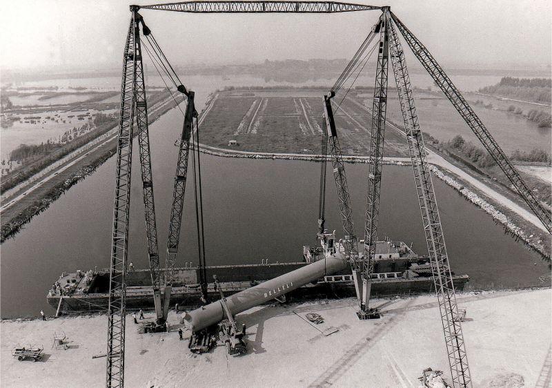 Construction of Internal Harbour's Crane